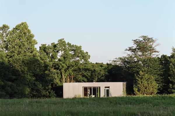 featured posts image for Sleek aluminum-clad house surrounded by forest