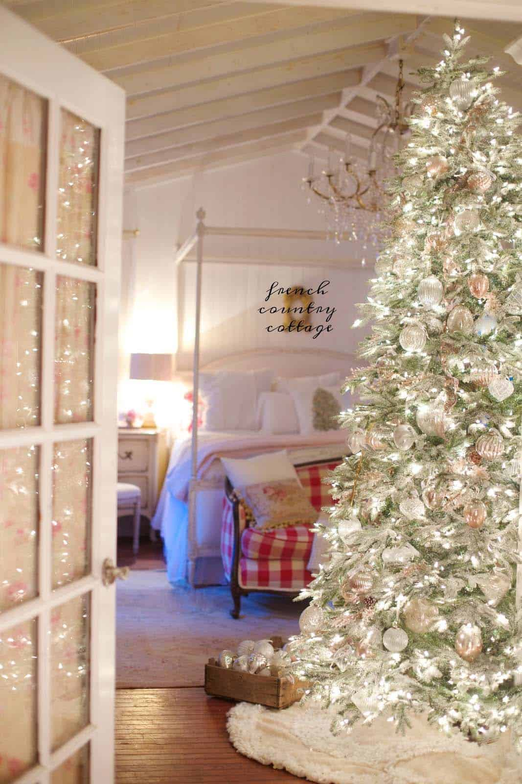 40 fabulous rustic country christmas decorating ideas - Rustic country bedroom decorating ideas ...