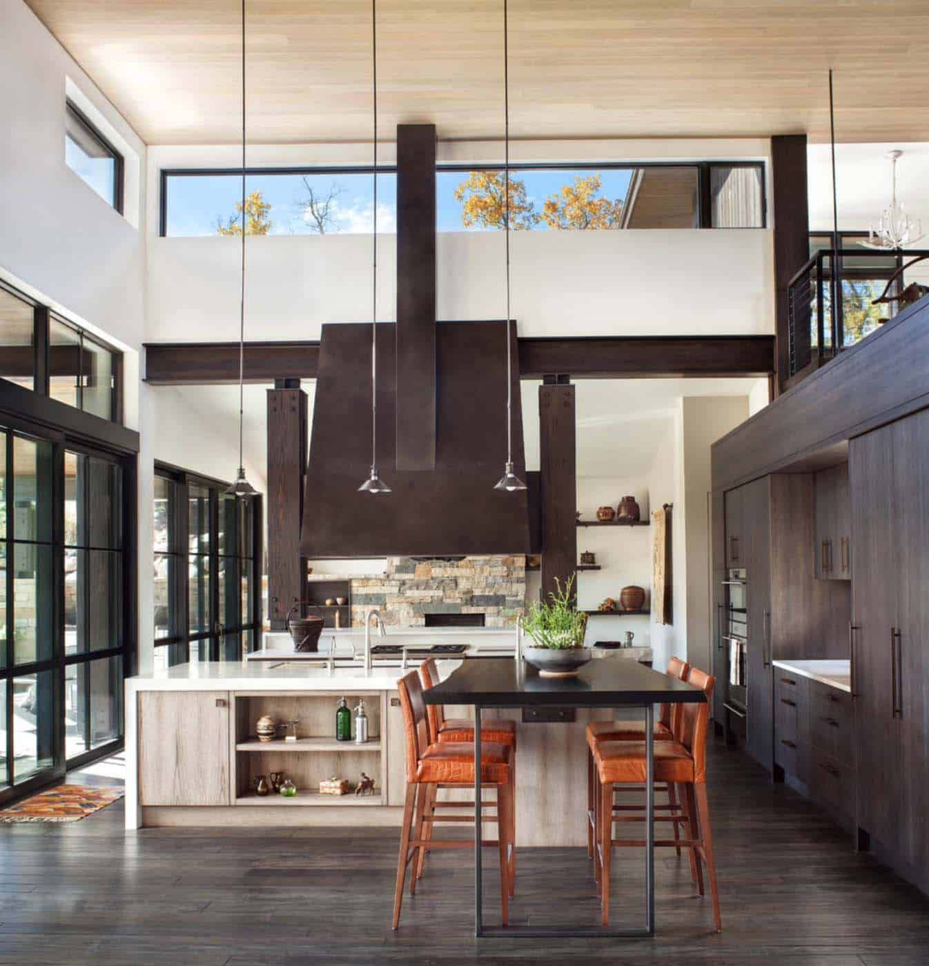 Breathtaking contemporary mountain home in steamboat springs for Inviting interiors
