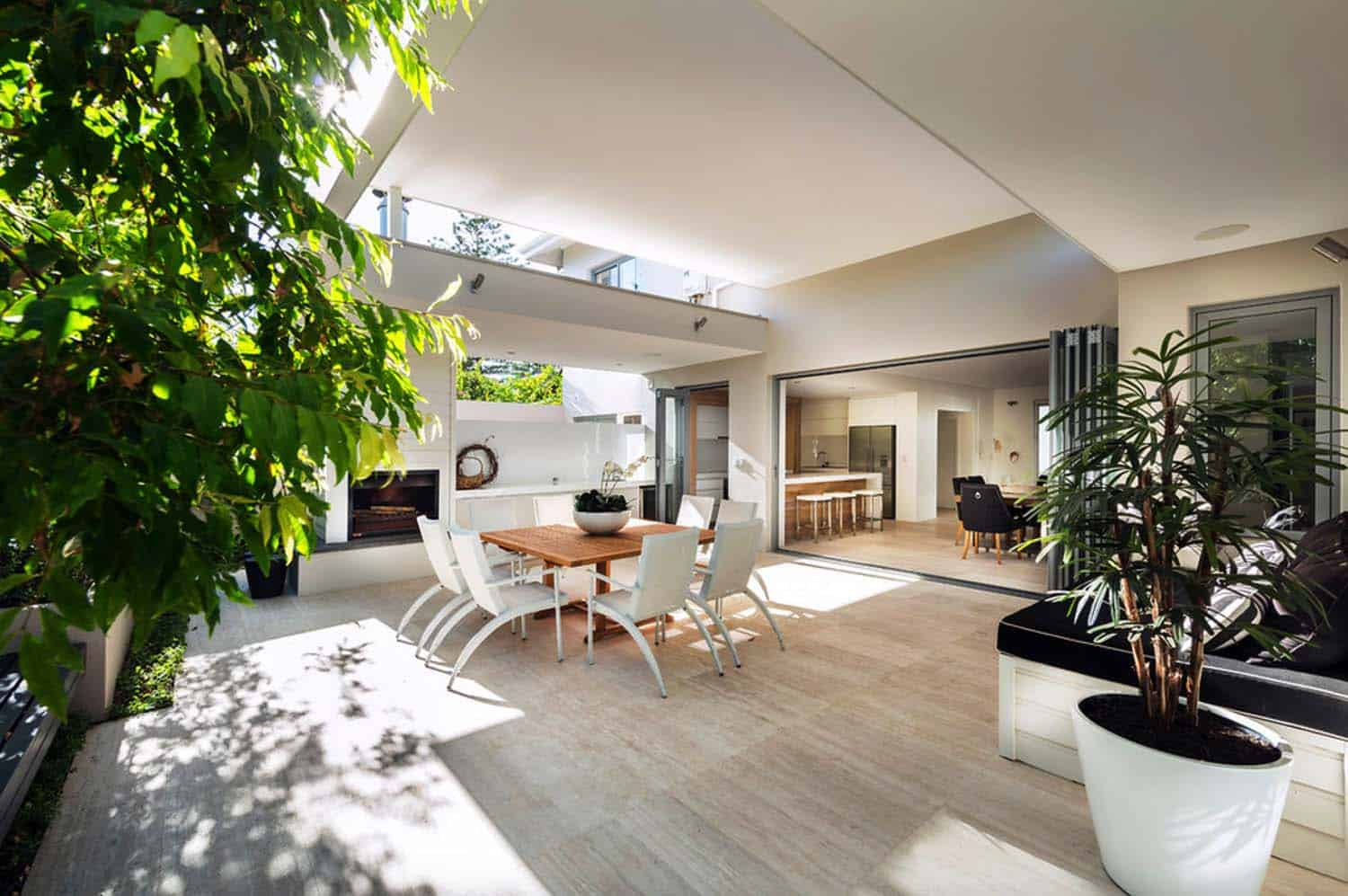 Renovated australian home celebrates a relaxed beachside lifestyle - Plans houses terrace enjoy relaxed lifestyle ...