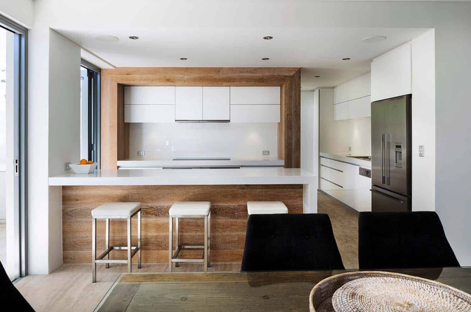renovated australian home celebrates a relaxed beachside lifestyle. Black Bedroom Furniture Sets. Home Design Ideas