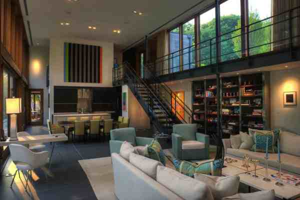 featured posts image for Light-flooded contemporary retreat nestled hillside in Maryland