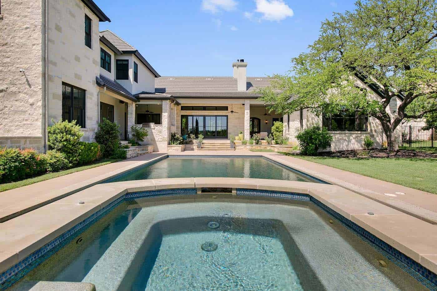 french-country-transitional-pool