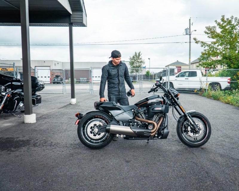 web Oneland - Harley Davidson - FXDR Softail Tour (3) (Moyen)