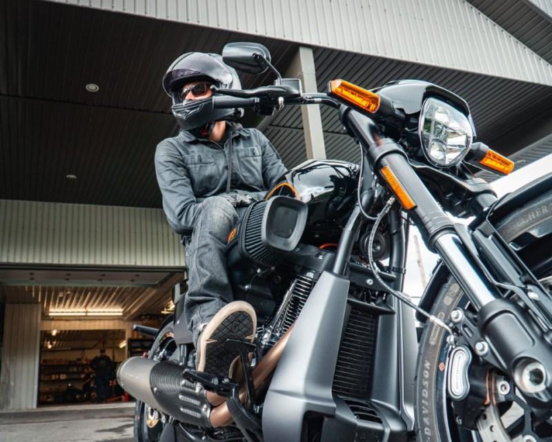 web Oneland - Harley Davidson - FXDR Softail Tour (6) (Moyen)