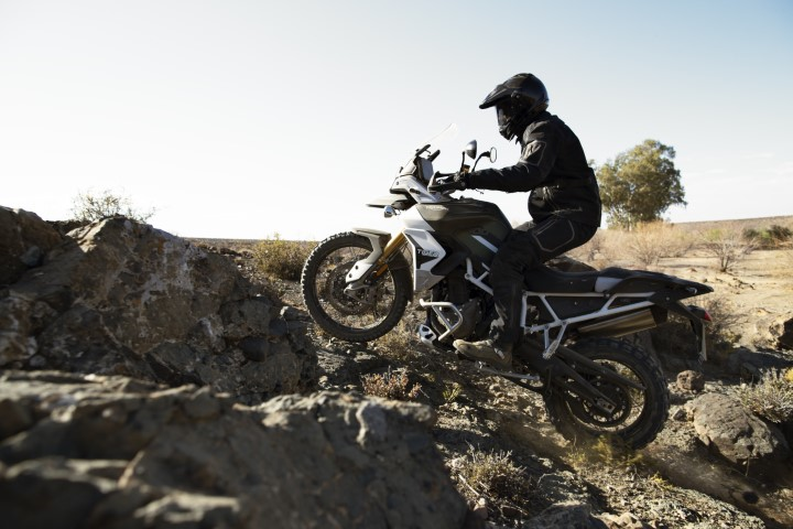 salon moto oneland montreal quebec TRIUMPH TIGER 900
