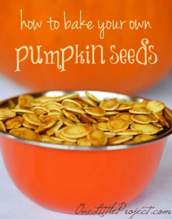 Here's a great recipe and some important tips about how to bake pumpkin seeds. Freshly roasted pumpkin seeds are healthy, delicious and kids love them!