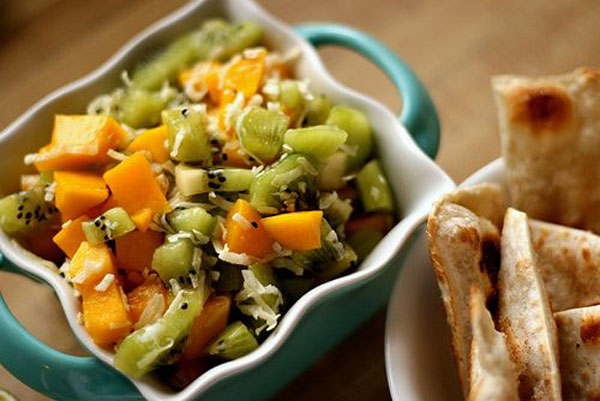 50+ Best Kiwi Recipes - Kiwi Mango Salsa with Cinnamon Crisps
