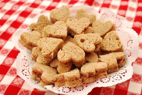 30+ Healthy Valentine's Day Food Ideas - Heart-Shaped PB & J Sandwich