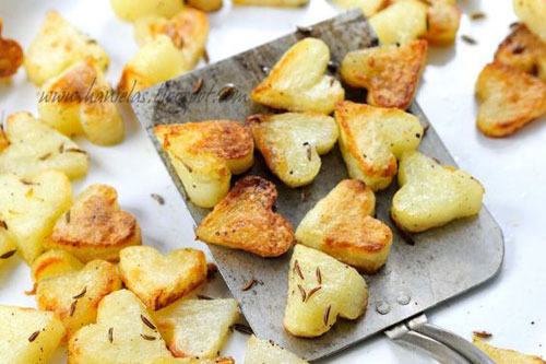 30+ Healthy Valentine's Day Food Ideas - Roasted Heart Potatoes