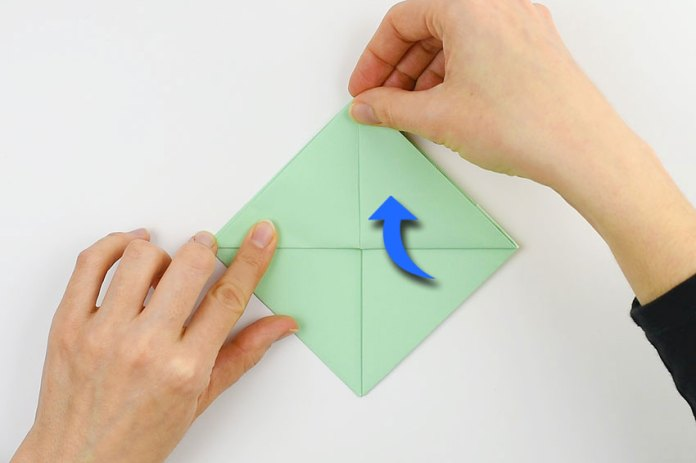 How to make a paper boat - step 8