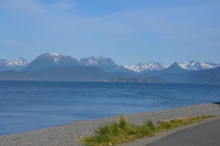 View along the Kachemak bay side of the spit
