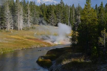 YellowstoneOldFaithful_020
