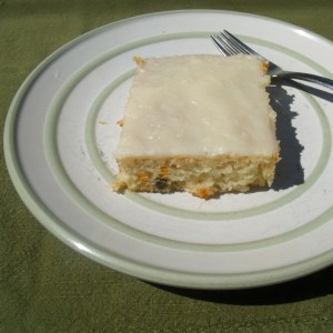 Vanilla sheet cake with cream cheese frosting
