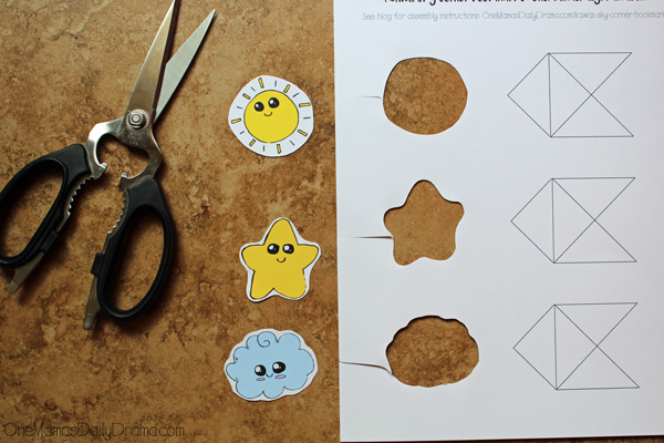 Kawaii corner bookmarks | step 2: cut around shapes