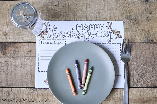 Thanksgiving kids activities | Thanksgiving place mat from Wit and Wander