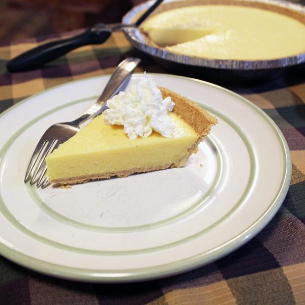 No-bake holiday eggnog pie