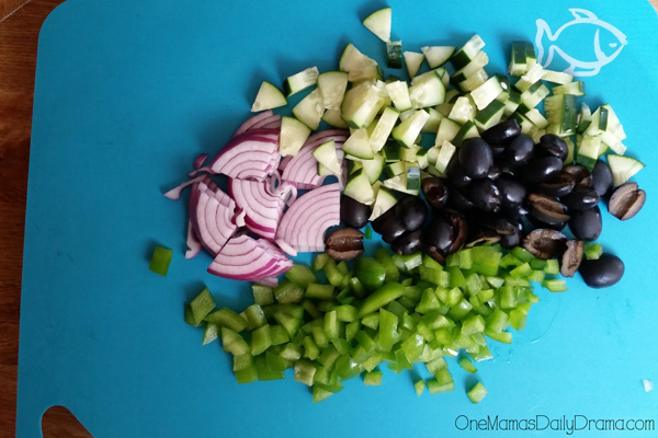 Simple chopped Greek salad recipe ingredients