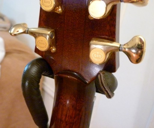 Kathy Wingert Model F Custom - mahogany neck detail - guitar review at onemanz.com
