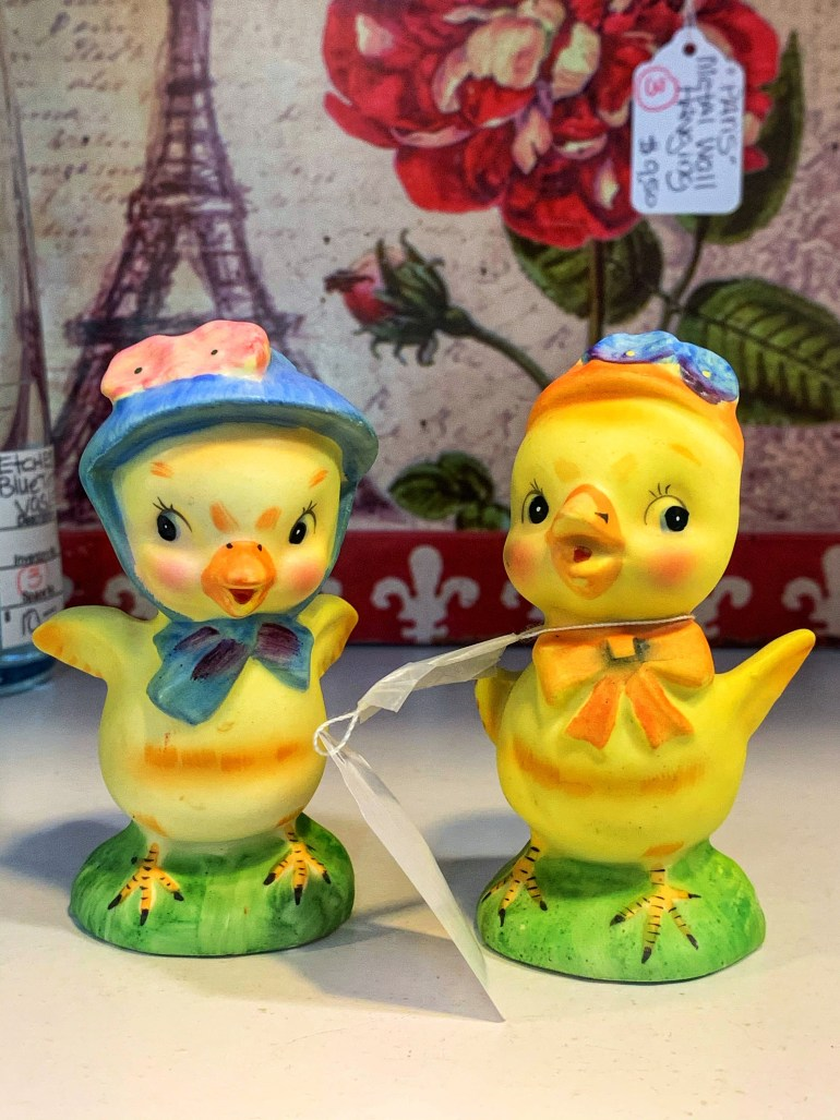 Yellow Ducks in Hats:  An Afternoon of Antiques in Snohomish, Washington