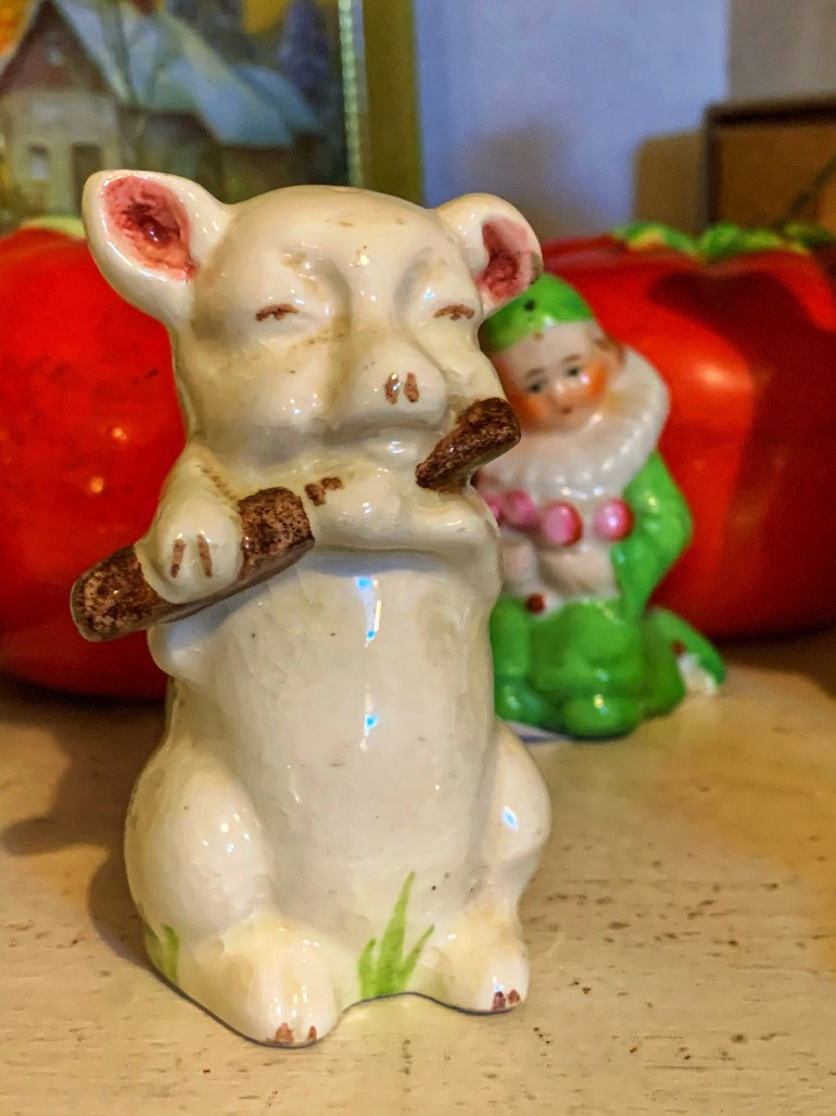 A Flute Playing Pig:  An Afternoon of Antiques in Snohomish, Washington