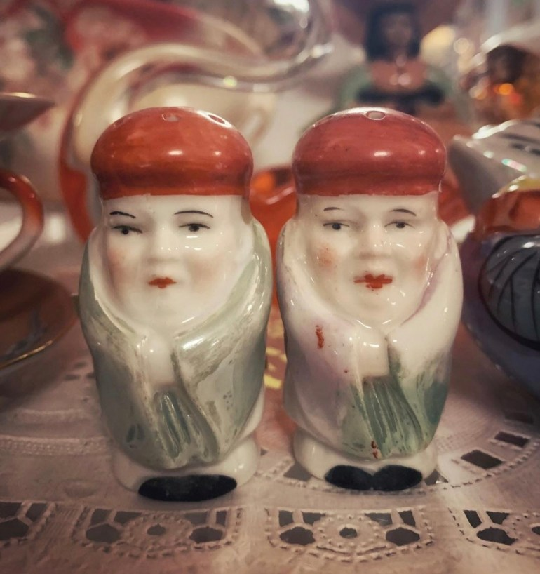 Vintage Salt and Pepper Shakers:  An Afternoon of Antiques in Snohomish, Washington