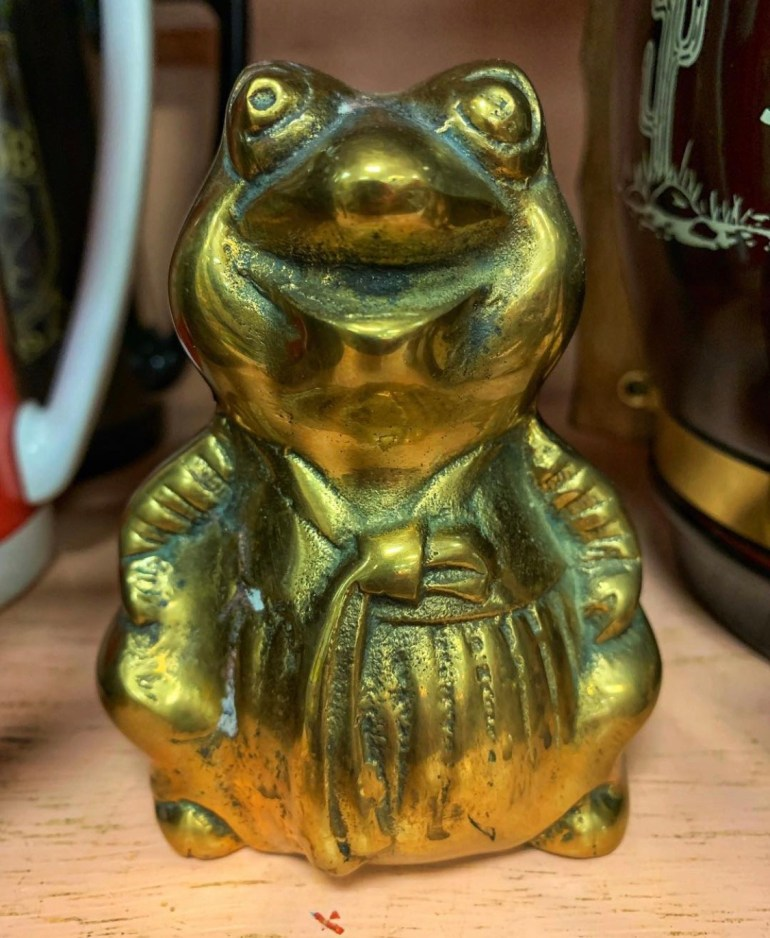 Golden Frog:  An Afternoon of Antiques in Snohomish, Washington