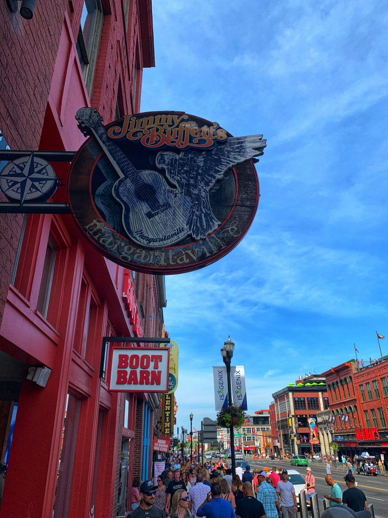 Street Photography: Scenes from Nashville, Tennessee