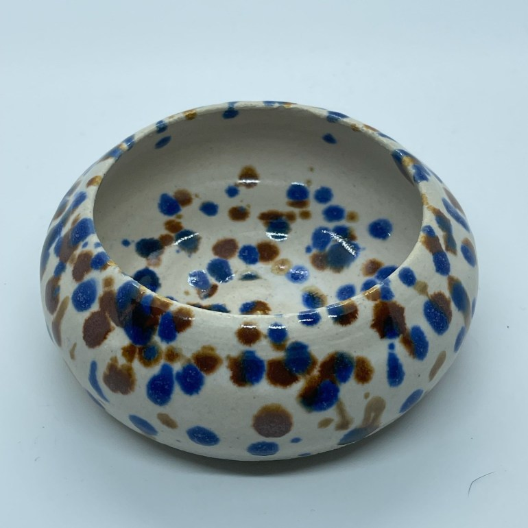 Off the Pottery Wheel: Two Toned Pinch Bowl