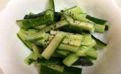 旬!おまかせ野菜セット毎週「きゅうり攻撃」に応戦する。