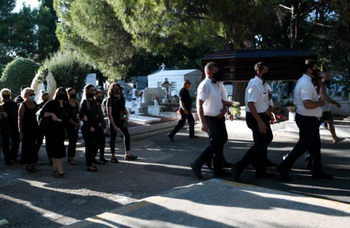 Κηδεία Πουλόπουλου: Αγνώριστοι Λίνα Νικολακοπούλου, Καίτη Γρέι, Πασχάλης. Κοσμοσυρροή [φωτο]