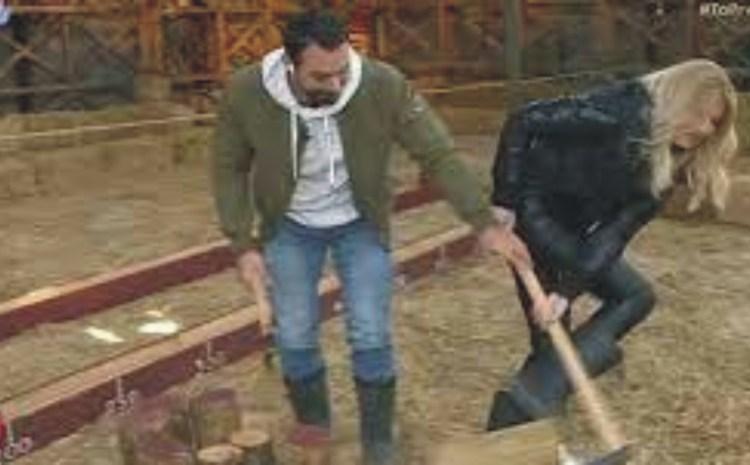Φαίη Σκορδά: Μπήκε στη «Φάρμα» ως… αγρότισσα – Έκοψε ξύλα και μπερδεύτηκε με τα άχυρα