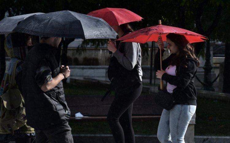 Καιρός: Συνεχίζεται η κακοκαιρία με βροχές και καταιγίδες