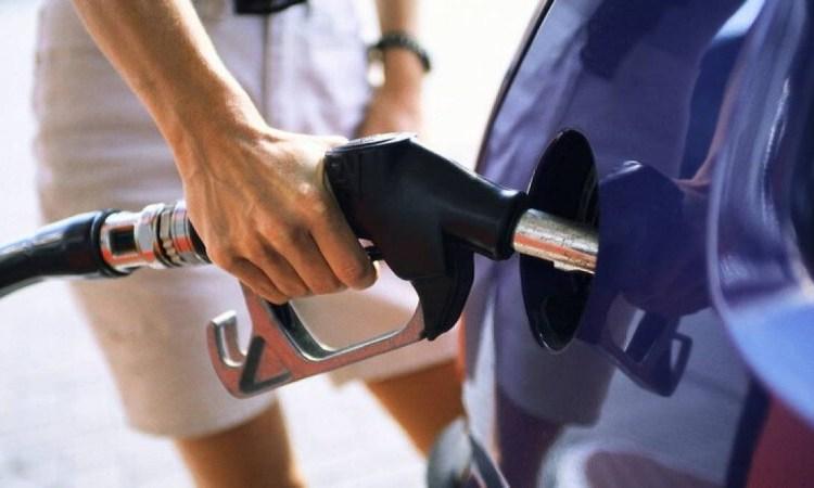Αυξήσεις «φωτιά» παντού στα όρια τους οι καταναλωτές: Πού θα πάει η βενζίνη και το σούπερ μάρκετ