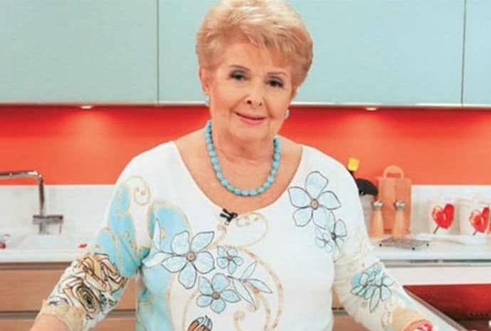 Στα δικαστήρια η εθνική μας μαγείρισσα, Βέφα Αλεξιάδου, για μια… μαγειρίτσα! Άρχισε ο πόλεμος της κουτάλας!