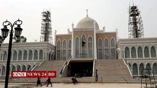 ৩০ কোটি টাকায় নির্মিত জামে মসজিদের উদ্বোধন