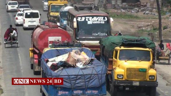 সিরাজগঞ্জে আজ মহাসড়কে যানবাহনের চাপ বেড়েছে বেশি