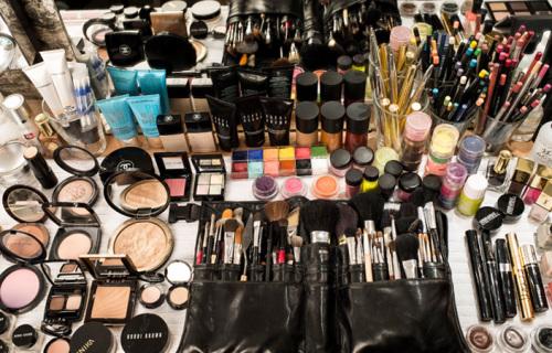 Aly-Hazlewood-Make-up-Kit
