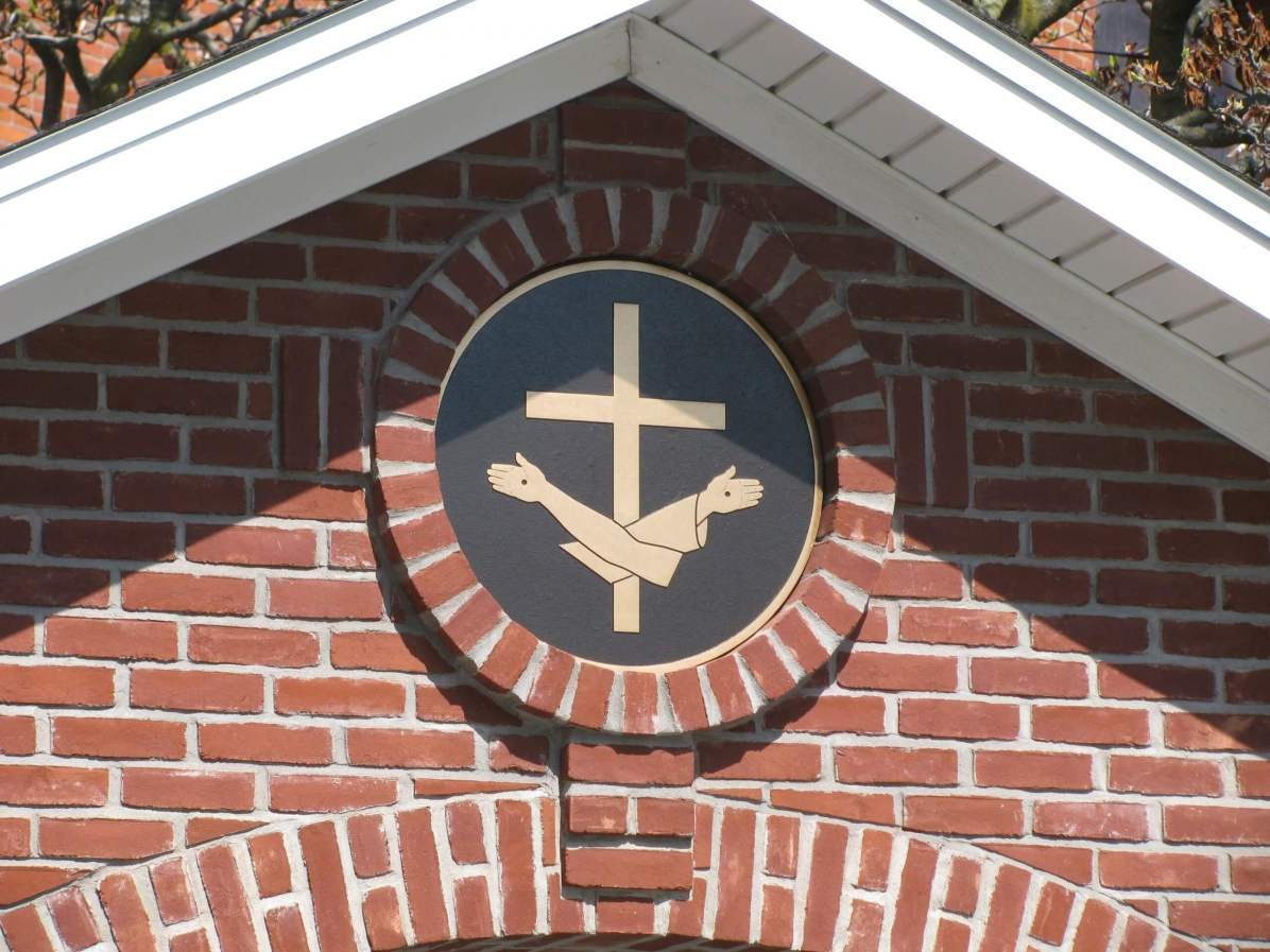 "Franciscan ""insignia"" on outdoor chapel of St. Marianne"