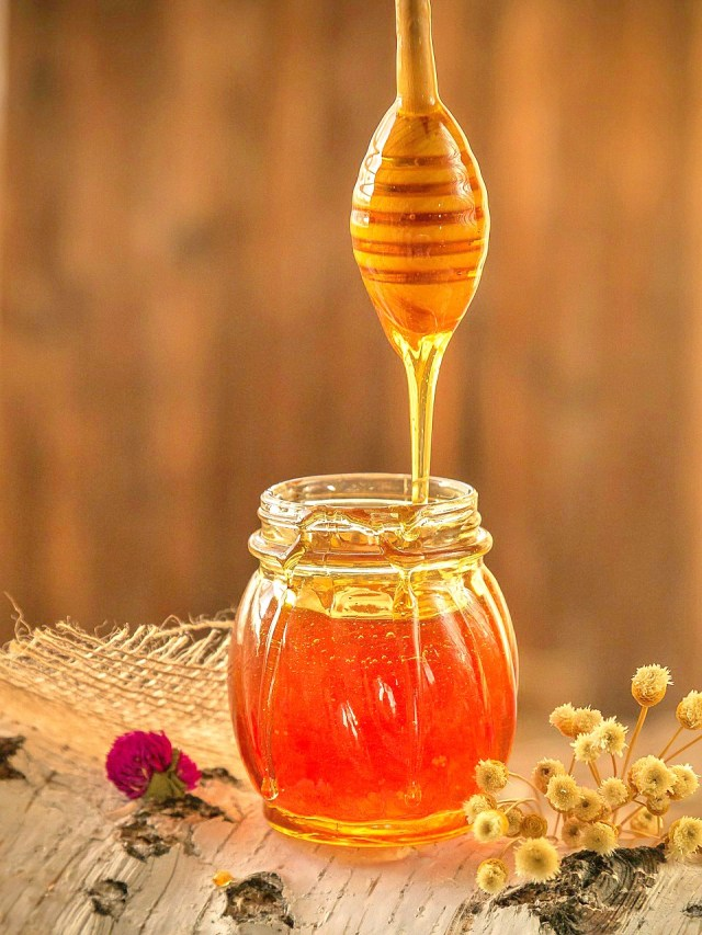 3 Simple And Super Healthy Natural Remedies To Start Your Day With - Honey - Healthy Habits