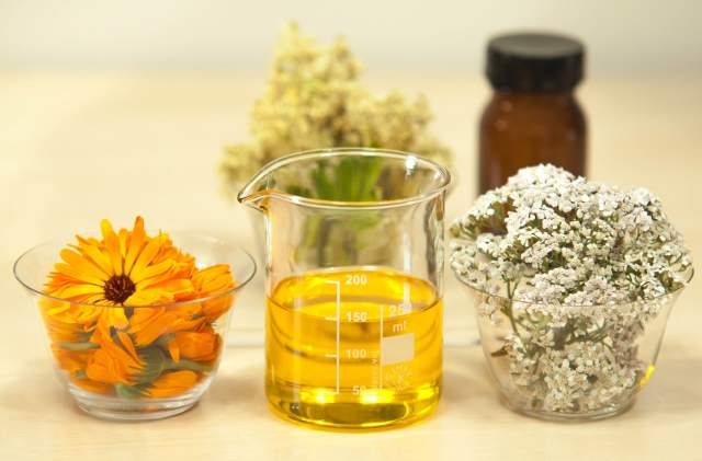 How to Make Herbal Oil-OnePointofView.net1