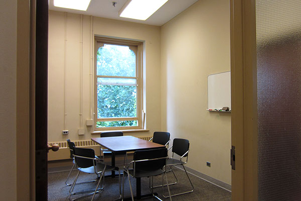 Group study rooms | University of Toronto Libraries