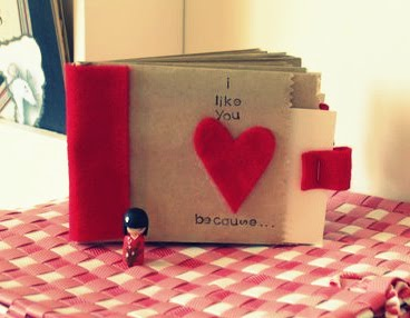 Create a Valentine Paper Bag Album for sharing family love notes! Get the list of supplies, and the how-to, on the blog: www.orsoshesays.com