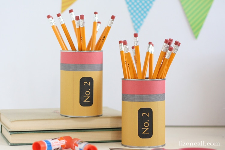 free printable pencil can wrapper for back to school teacher gift @lizoncall.com