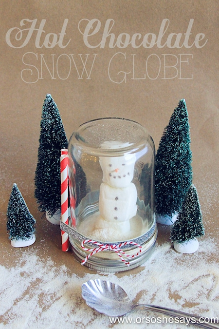 Adorable hot chocolate snow globes are the perfect neighbor/teacher gift!