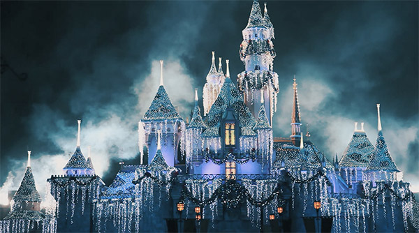 disneyland-holiday-castle