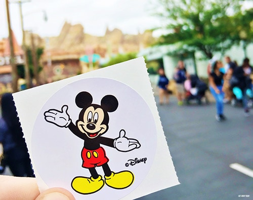 Make the most of your Disney trip by collecting these 10 FREE Disneyland souvenirs during your next visit! Check them out on the blog today: www.orsoshesays.com