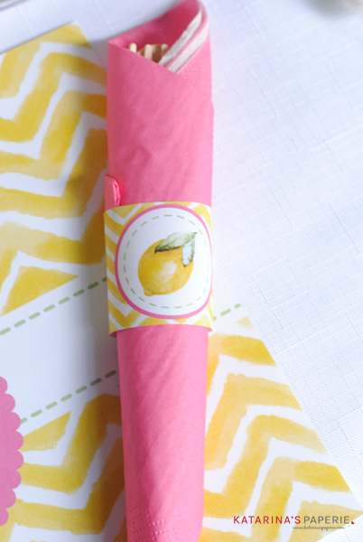 lemon napkin roll