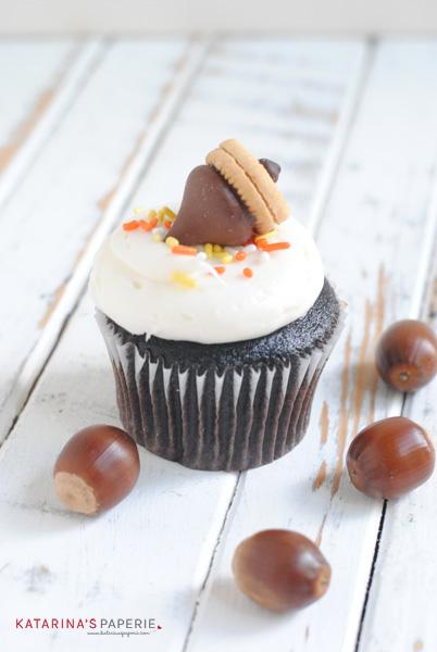 Fall Acorn Cupcakes