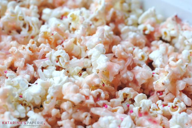 Mixing popcorn